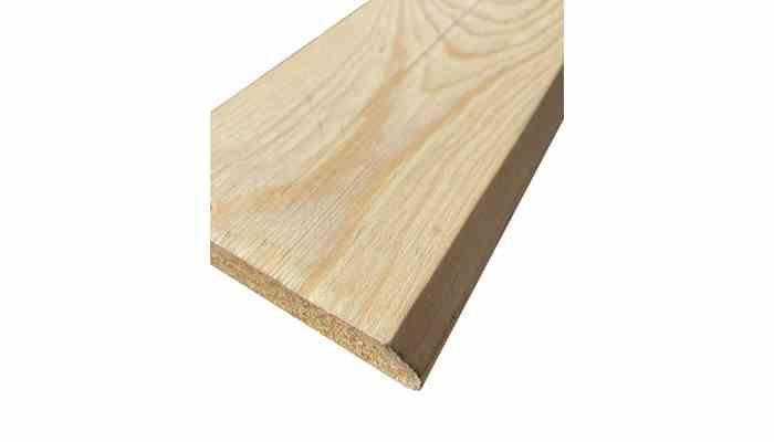 Rodapie de pino