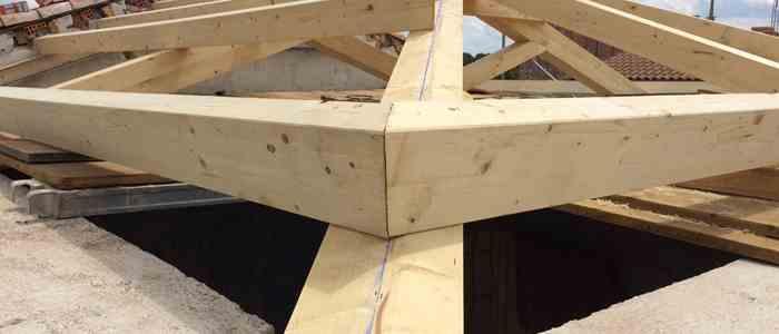 Rehabilitación de cubierta en madera laminada de vivienda unifamiliar