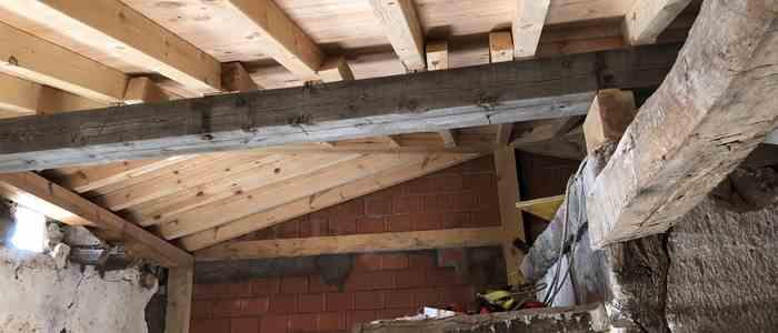 Restauración de cubierta en vivienda de Agés